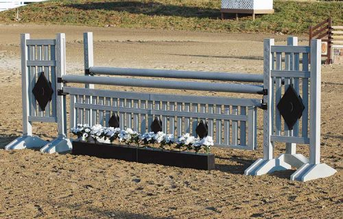 Gray and black 5' Two Tone standards with matching gate