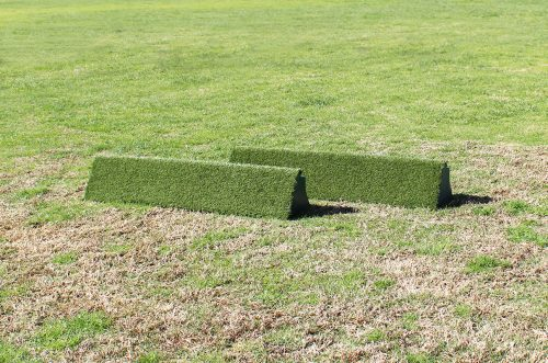 arena supplies turf triangle flower box set without flowers