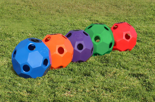 hay ball feeder in 5 colors